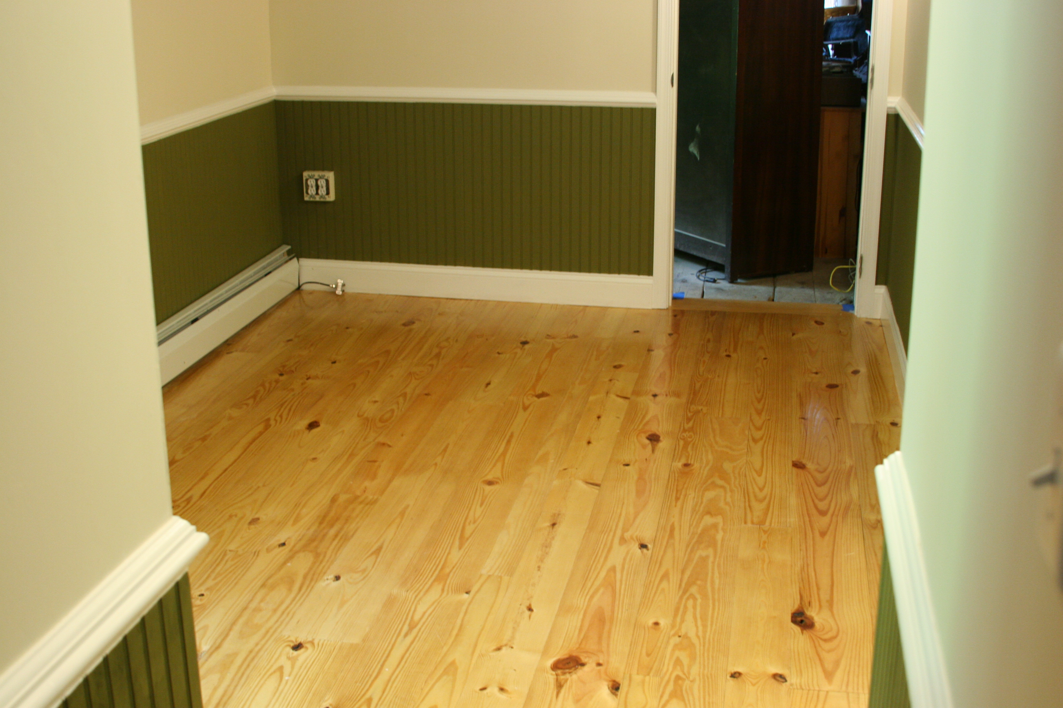 Unlike The Hardwoods Above Yellow Pine Floors Come In 6 And Longer Lengths Flooring Is A Great Value Heart Sometimes Available